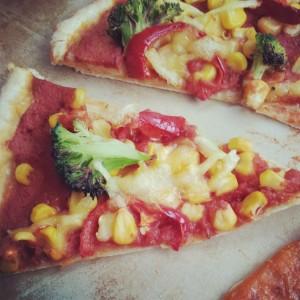 Easy vegan pizza slice