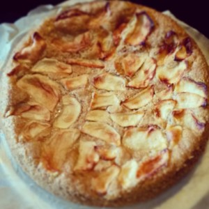 Autumnal apple cake
